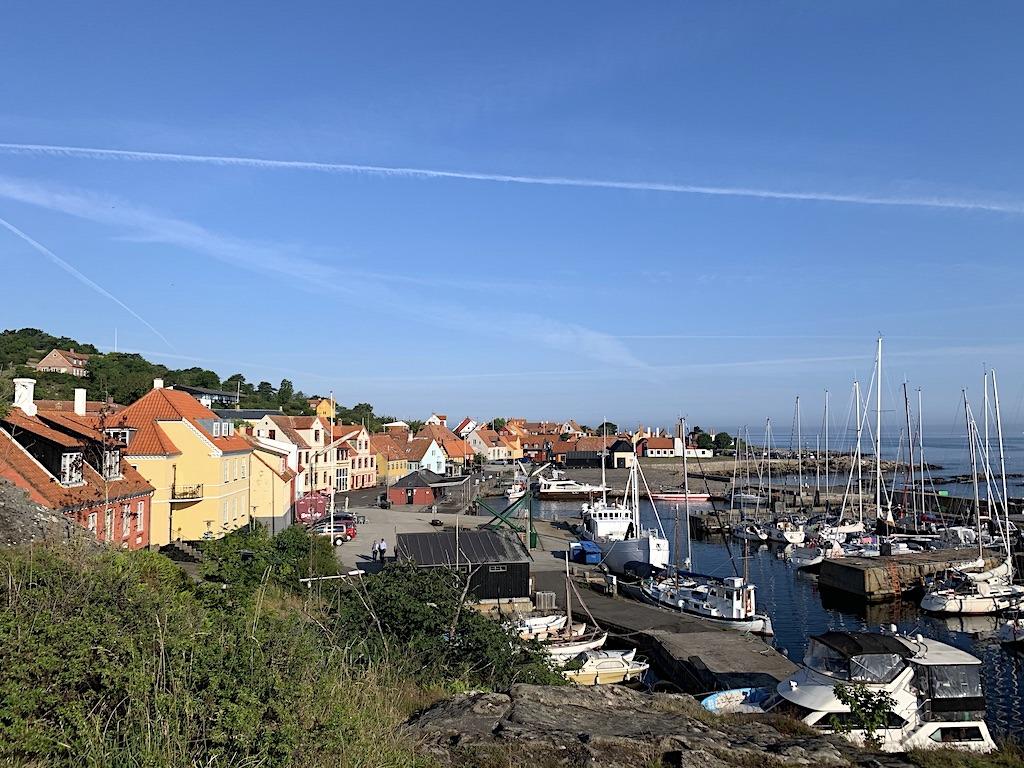Gudhjem by og havn